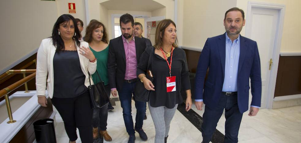 Ábalos: «Tengo especial cariño al PSOE de Valladolid por su fuerte presencia en la Ejecutiva Federal»