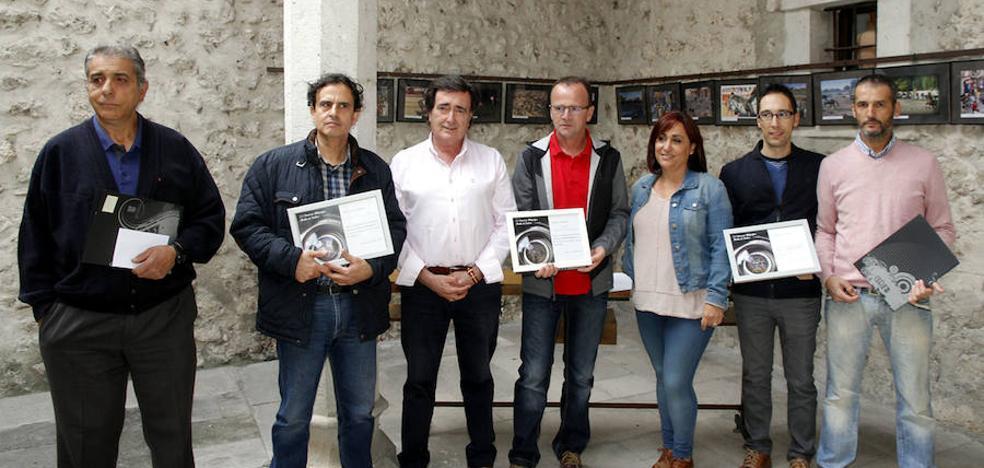 Los ganadores del concurso fotográfico Fiestas de Cuéllar reciben sus galardones