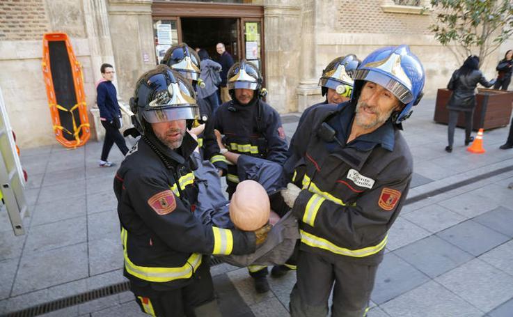 Simulacro de incendio en las oficinas municipales de la Calle Mayor de Palencia