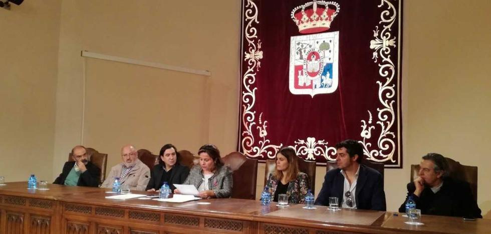 Isaac Páez Catalán se alza con el XXXVI Premio Leonor de poesía por la obra 'Fibra óptica'