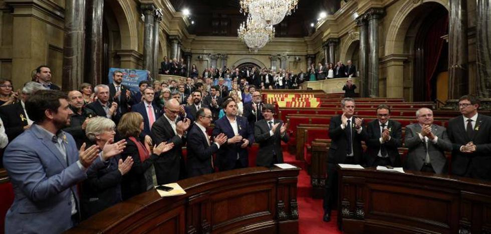El Parlament declara la independencia en Cataluña