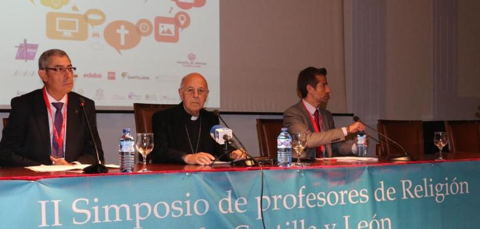 Ricardo Blázquez: «Reitero mi apoyo al orden constitucional y defiendo su restablecimiento»