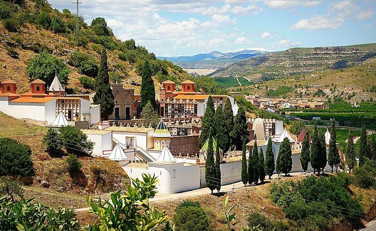 Los 10 finalistas del IV Concurso de Cementerios de España de la revista Adiós
