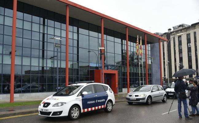 La Guardia Civil registra varias comisarías de Mossos por el 1-O