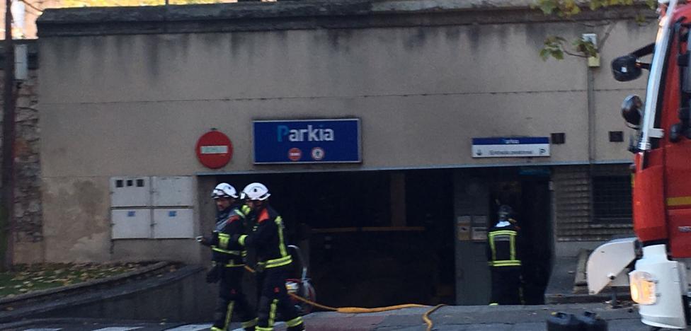 Detenido por incendiar un coche en un aparcamiento subterráneo de Salamanca