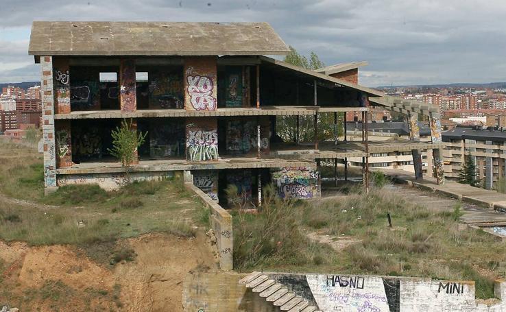 Así era el chalé abandonado de Parquesol