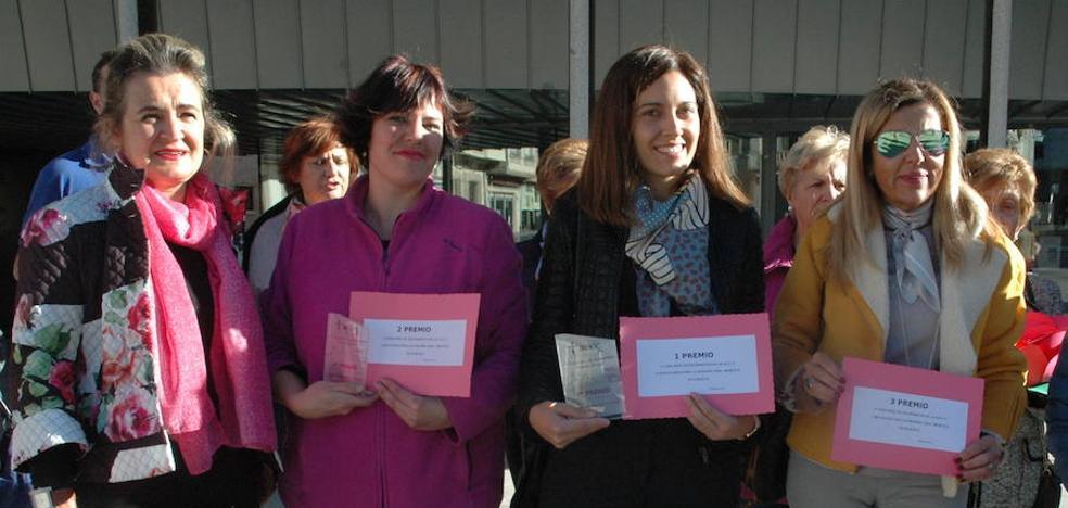 La farmacia de Elena Martín gana el Concurso de Escaparates de la AECC en Guijuelo