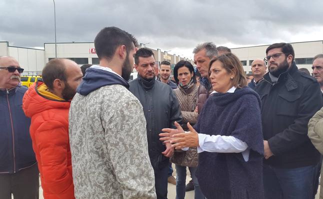 La Junta compromete ayudas para levantar «cuanto antes» la fábrica quemada en Ávila
