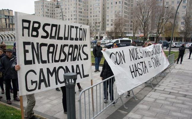 Seis jóvenes se enfrentan a peticiones de dos años de cárcel por los disturbios de Gamonal