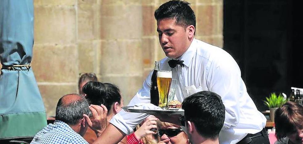 La hostelería desbanca a la construcción como motor económico de España