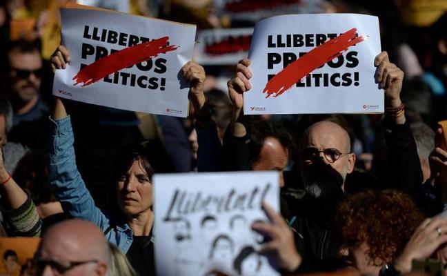 Corte de vías en Barcelona y Tarragona en protesta por la cárcel del Govern cesado