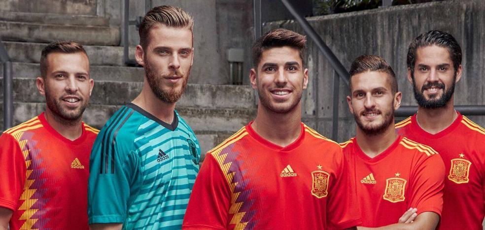 Polémica por la nueva camiseta de España para el Mundial