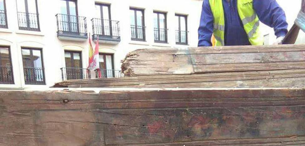 Las vigas originales del Palacio de Enrique IV se mudan al Museo