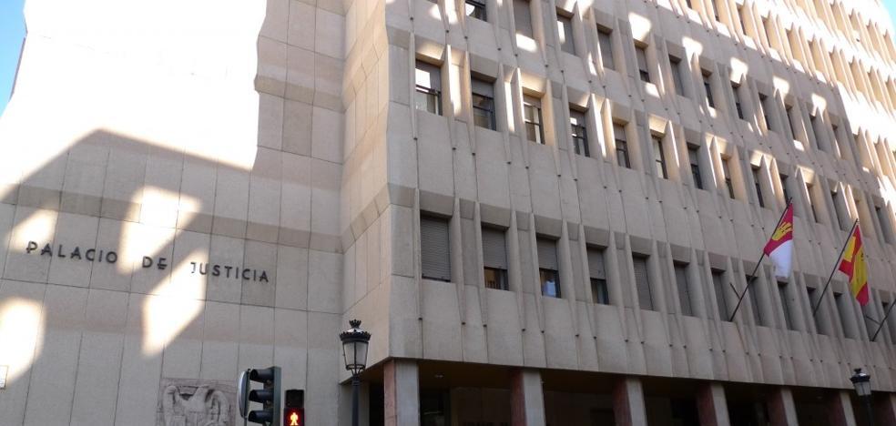Cinco años de cárcel por apuñalar a un compañero de piso en una discusión por el ruido de la lavadora