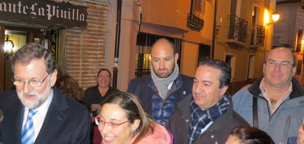 Rajoy, Dastis y Méndez de Vigo almuerzan en Arévalo tras asistir en Salamanca al acto de entrega de Doctor Honoris causa a Junckers