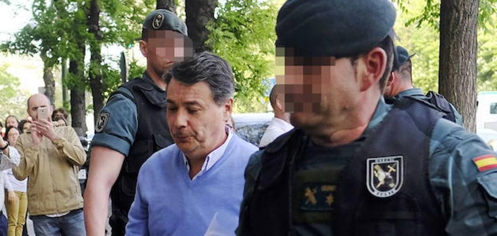 'Narcos' envía un mensaje a Ignacio González vía Twitter