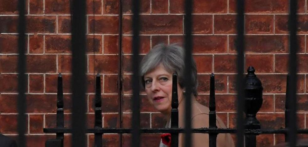 May pone fecha al 'Brexit' y nadie se lo cree