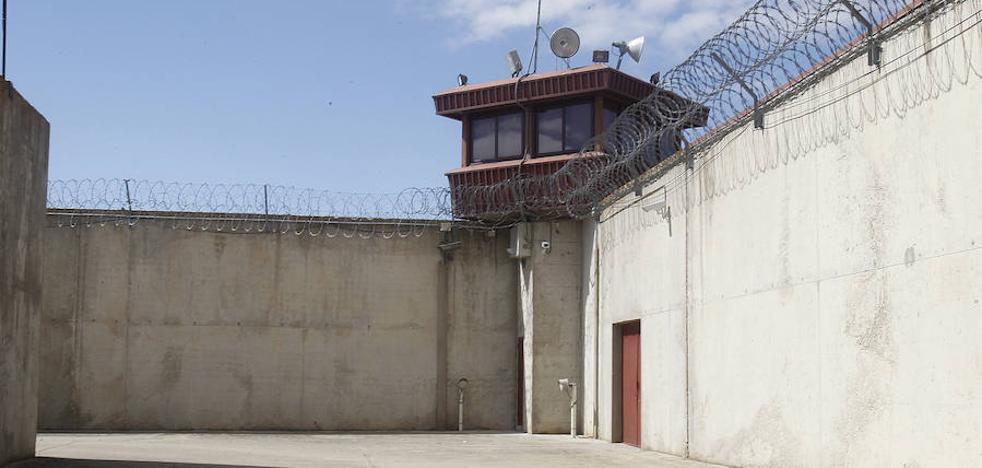 Pide el ingreso en Valladolid un hombre condenado por tirar a su mujer por la ventana