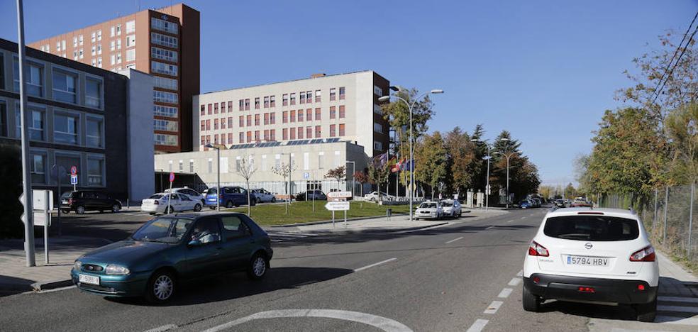 Los entornos del hospital de Palencia se regularán con la ORA, pero con una tarifa más barata