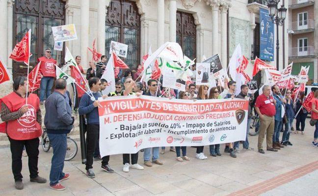 El PSOE elevará el conflicto de la seguridad privada de Defensa a debate en el Congreso