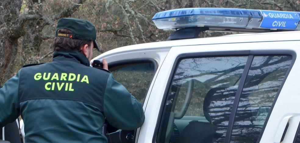 Roban su vehículo a un conductor que lo dejó arrancado en Vilecha y realizan un alunizaje
