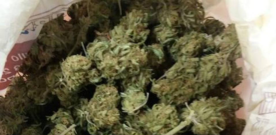 Detenidos dos jóvenes con 105 gramos de marihuana