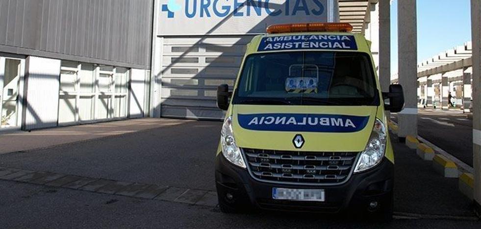 Cuatro heridos en una colisión entre camión y turismo en Quintanas de Valdelucio