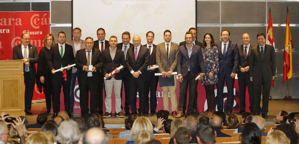 Villagrá no se olvida de reclamar infraestructuras en su despedida de la Cámara de Comercio