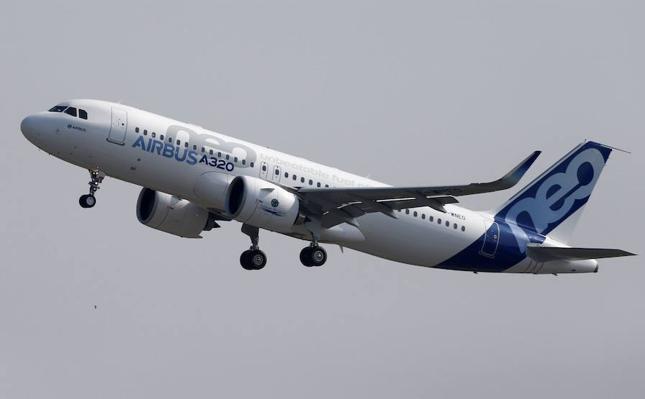 Airbus recibe el mayor encargo de su historia: 430 aviones por 49.500 millones