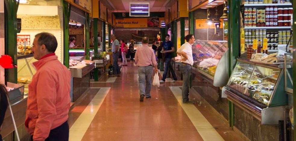 El Ayuntamiento adjudica a los industriales la explotación del Mercado de 'El Campillo'