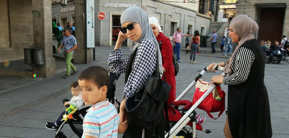 400 extranjeros adquieren cada año la nacionalidad española en Segovia
