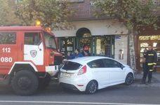 Un camión de Bomberos arrolla a un vehículo en León capital cuando se dirigía a un incendio