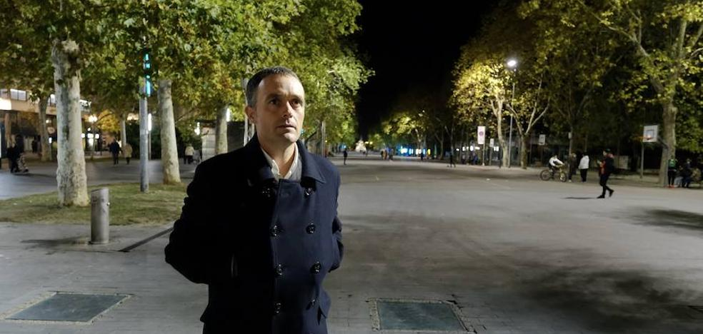 Mikel Ayestaran: «No voy a los lugares de conflicto y me olvido, siempre vuelvo»