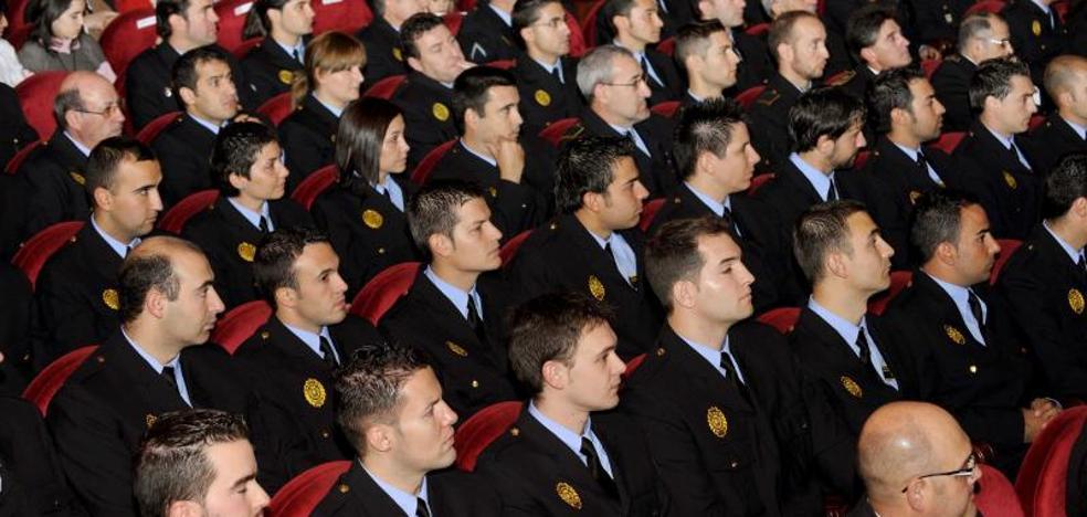 El presidente de la Audiencia y la fiscal jefe, nombrados Guardas Urbanos de Honor