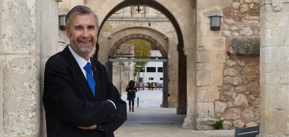 «Nueve universidades en Castilla y León me parecen excesivas»
