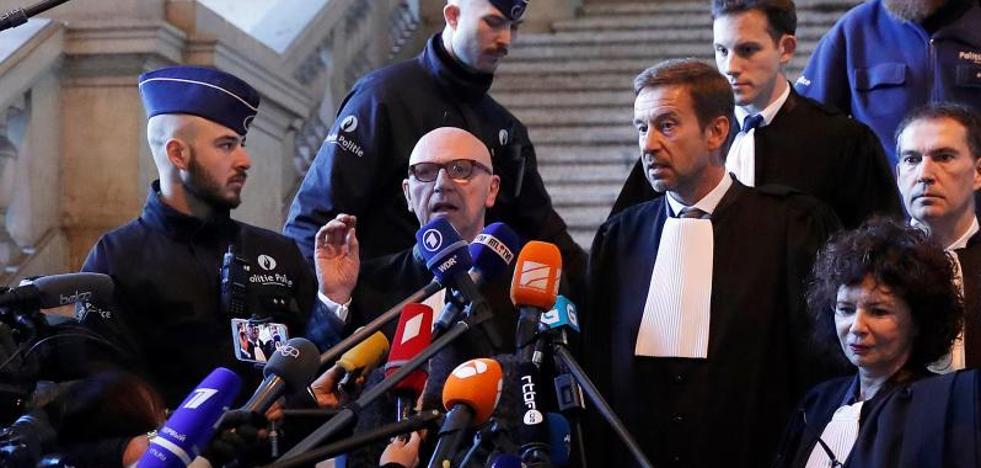 La Fiscalía pide la extradición de Puigdemont y el juez aplaza la vista al 4 de diciembre