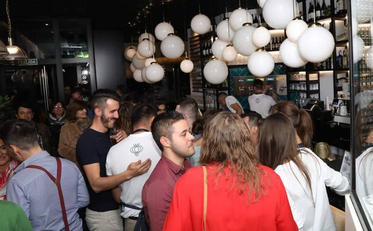 Inauguración del restaurante 'Ajo de Sopas' en el Paseo del Salón de Palencia
