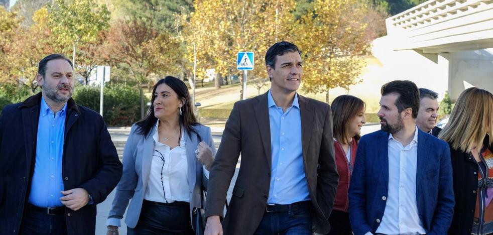 Pedro Sánchez avanza en Valladolid que PSOE y PSC irán de la mano a la hora de tejer pactos tras el 21-D