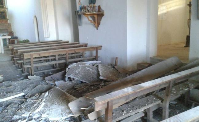 Excrementos de paloma provocan un derrumbe en la iglesia de Tabanera la Luenga