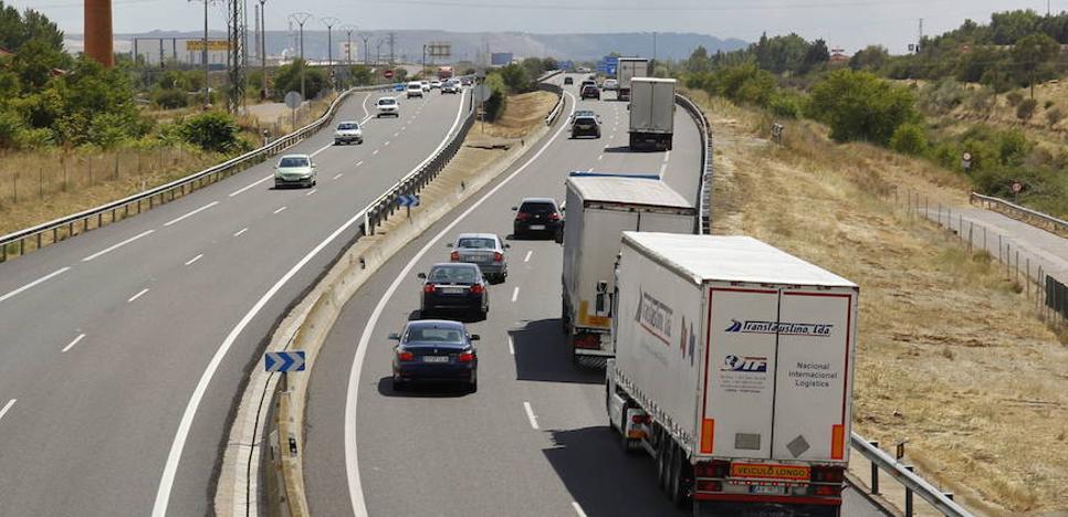 Acuerdo para una subida salarial del 7,10% en tres años para los transportistas