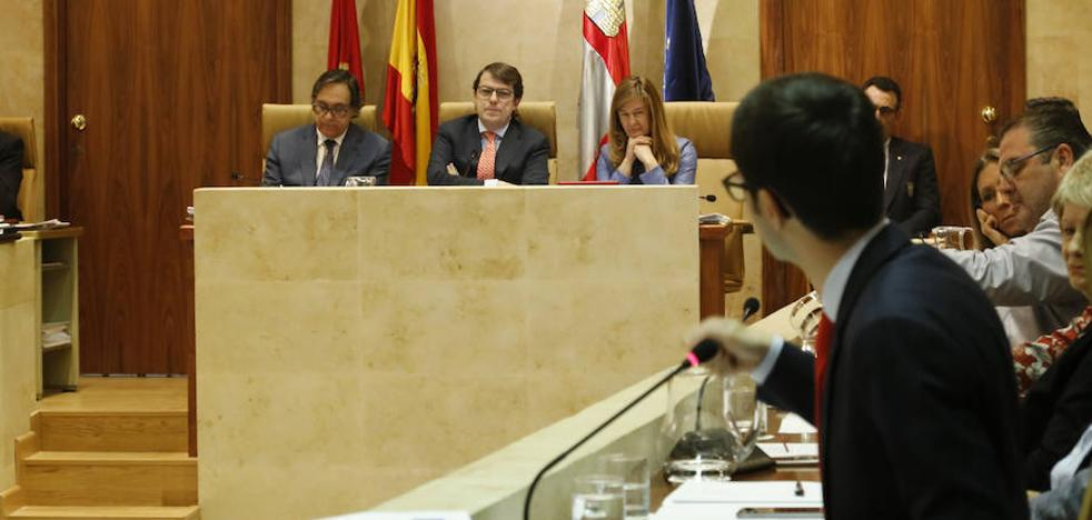 Mañueco diseña dos planes para rehabilitar los barrios y proteger las zonas verdes