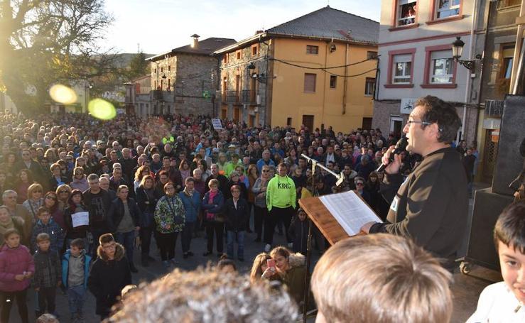 Manifestación en Velilla del Río Carrión por el cierre de la central