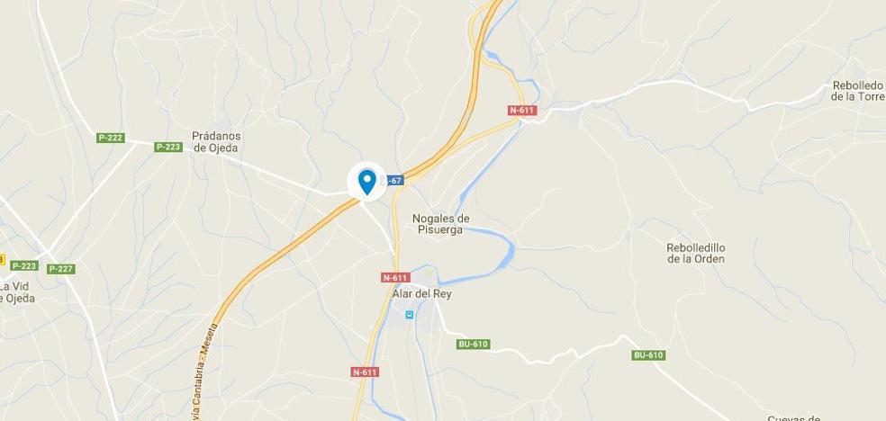 Al menos un herido al colisionar tres vehículos en la A-67 en Palencia