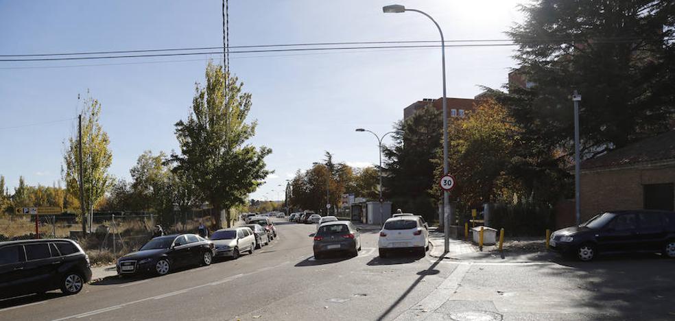 Concentración de protesta contra la ORA y el aparcamiento del Hospital de Palencia