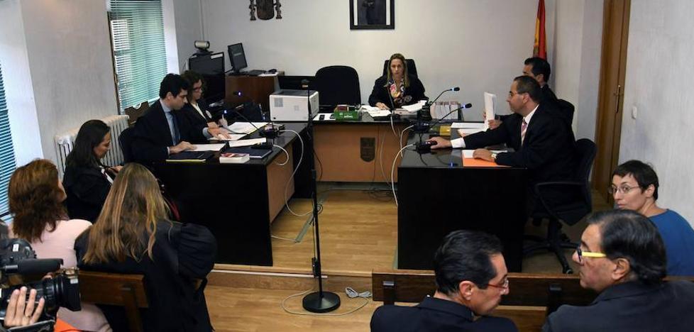Suspendida la audiencia contra una mujer que deseó «el exterminio» de los toreros