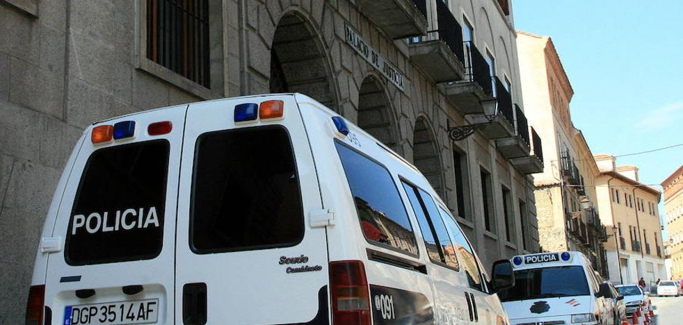Condenado a trece años y medio por apuñalar a tres personas
