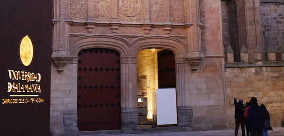 El VIII Centenario de la Usal y la dehesa charra centran la imagen de Salamanca en INTUR 2017