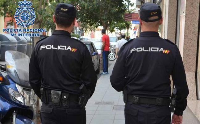 Detenida en Granada por retener en su casa a un fontanero hasta que le arreglase el agua caliente