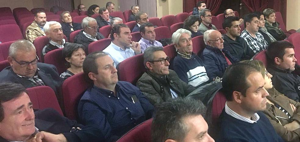 Gomezserracín acoge la primera reunión de alcaldes y concejales del PP de Segovia