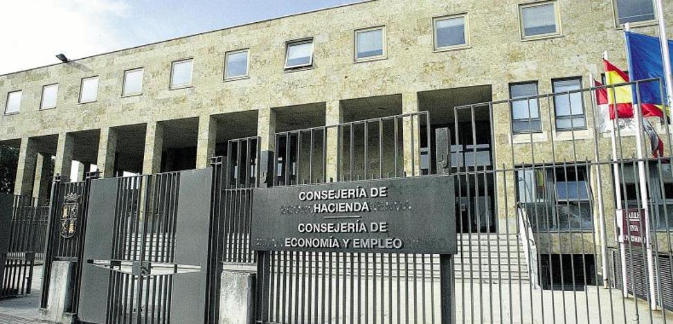 La Junta asume el litigio de la jornada partida de los conductores de Auvasa